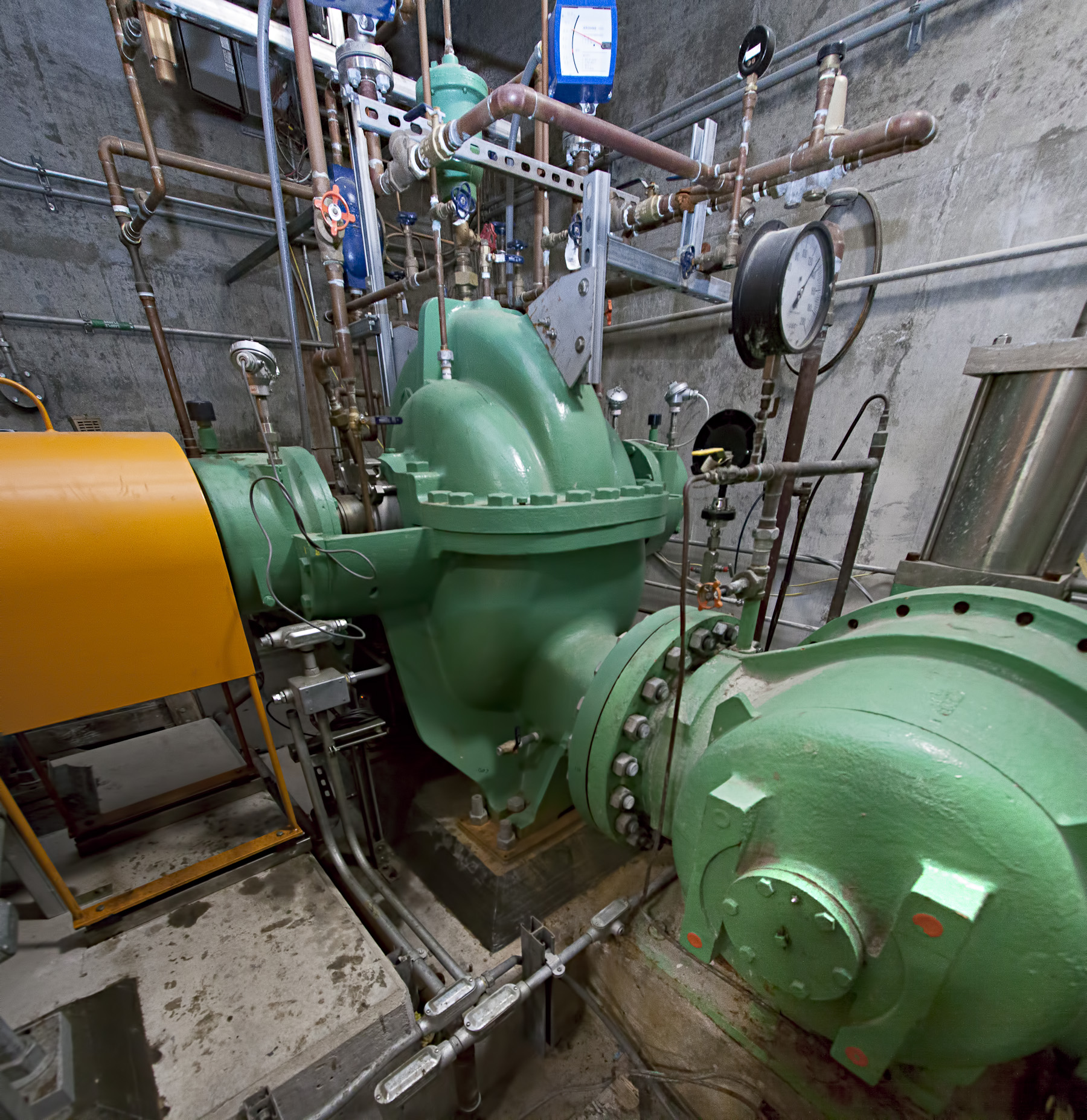 Pump vertical pano (1)